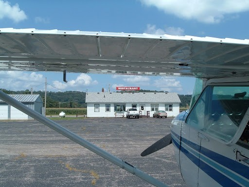 Lone Rock, Wisconsin (KLNR) Airport