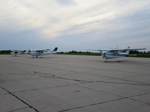 Vinton, Iowa (KVTI) Airport